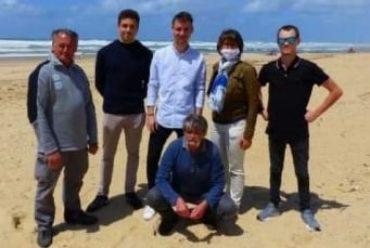 Nettoyeur de la plage de Moliets : projet mené par des étudiants de la LP TAC